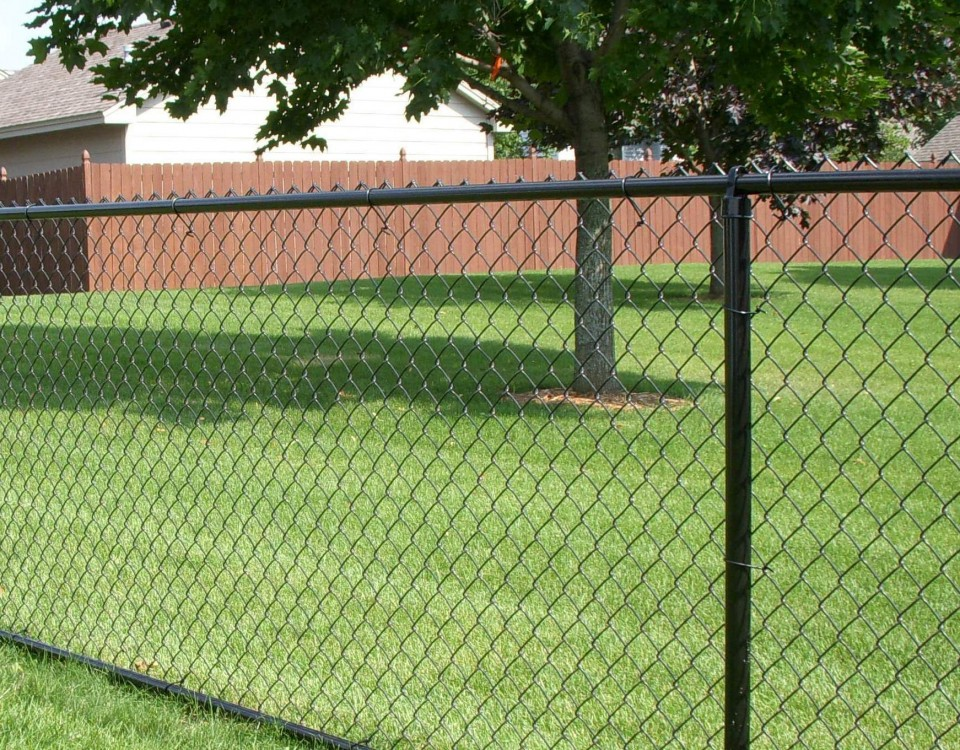 Top reasons to install a wood fence united utah